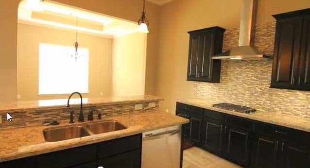 107 Bella Vista kitchen