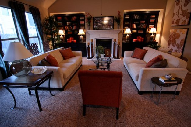 Tuscany Woods - living area with carpet