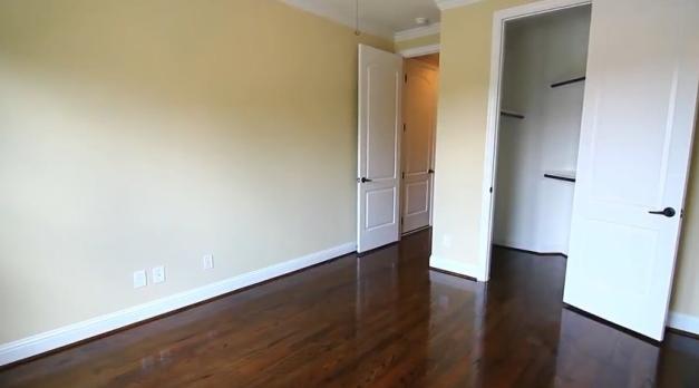 131_bella-luce_room-closets