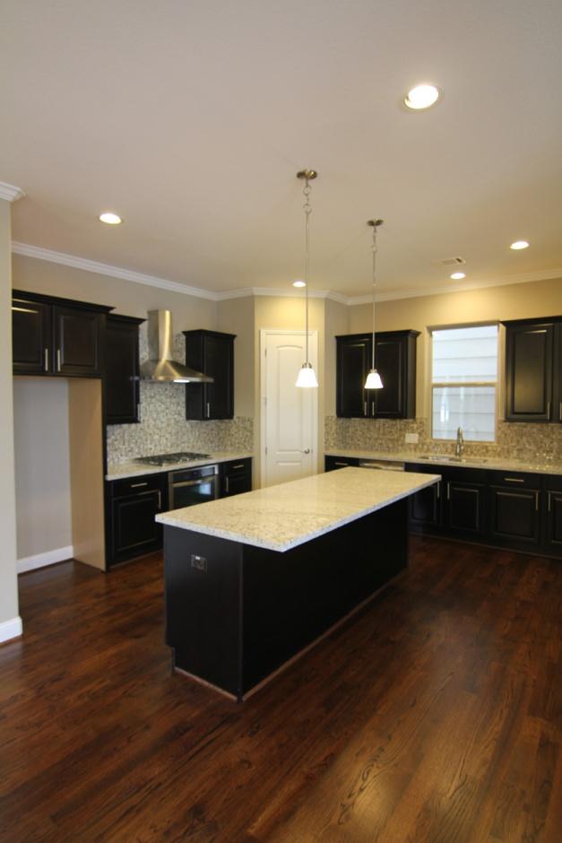 Kitchen by Drake Homes Inc Houston, TX
