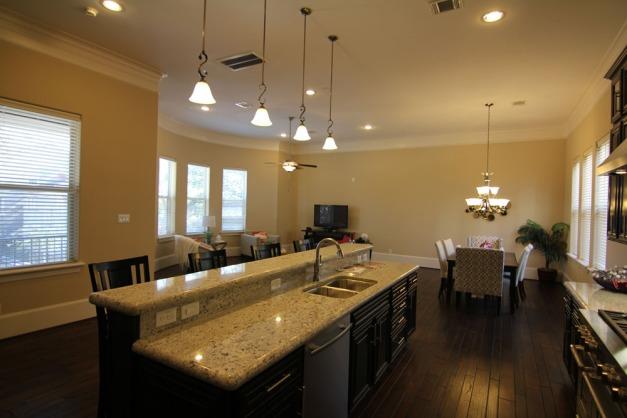 The Villas on Graustark @3332 Hawthorne Street, Houston, TX