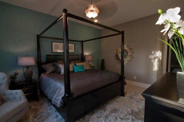 Knox Villas: For the Master Bedroom: Large Master Suite on 2nd Floor