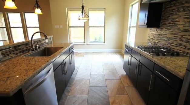 Kitchen - Drake Homes Inc