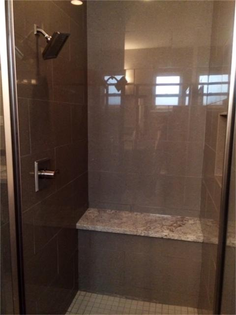 Stillman II firstfloor-bathshower