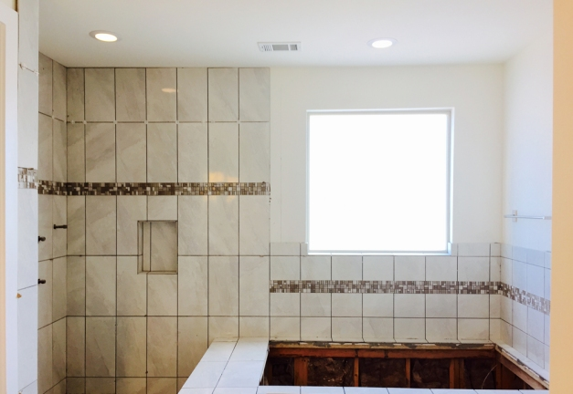 Tile installation - masterbath - Avondale Park Manor