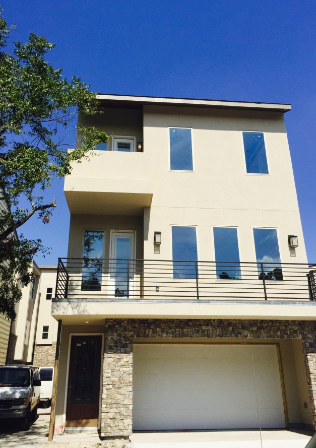 Look at this glorious blue sky avondale park manor for Avondale park homes