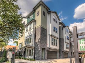 Heights on Yale by Drake Homes Inc.