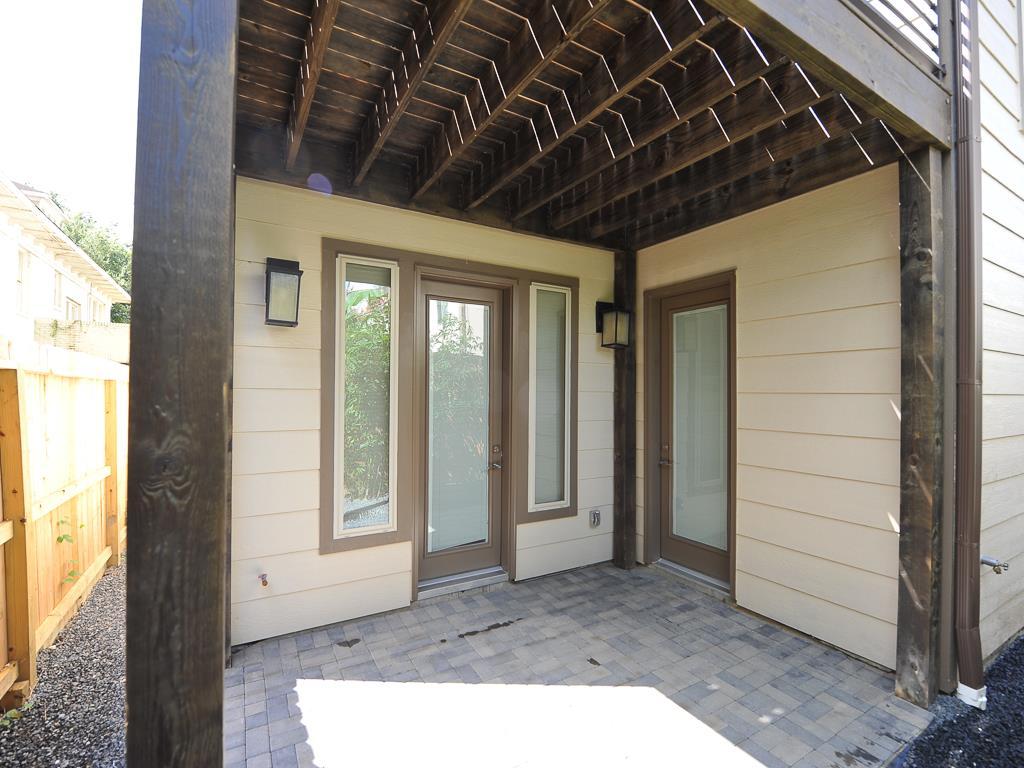 225 avondale houston texas avondale park manor by drake for Avondale park homes
