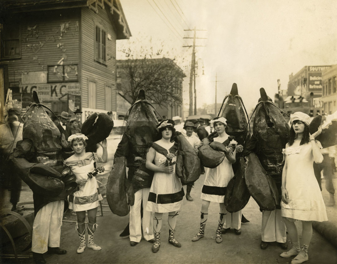 0715-history-notsuoh-festival-crawfish-suits_cmfar7