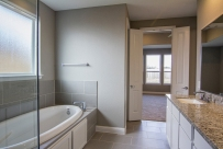 hackney-1106-master-bath1-edit-900