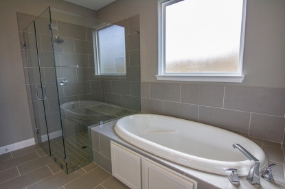 hackney-1106-master-bath2-edit-900