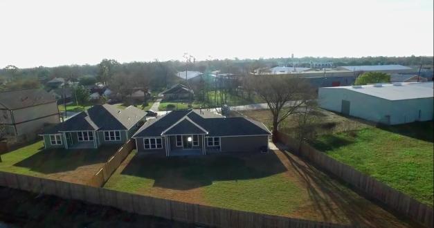 Backyard exterior - Magnolia Gardens