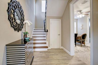 Entry - Landings On Nineteenth by Drake Homes Inc.