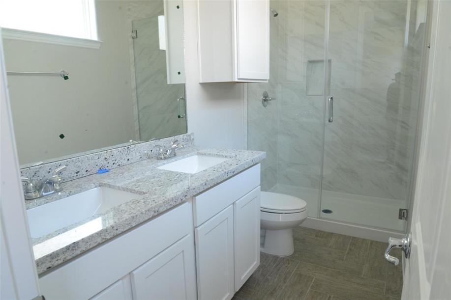 Master Bath - Angelina plan by Drake Homes Inc.
