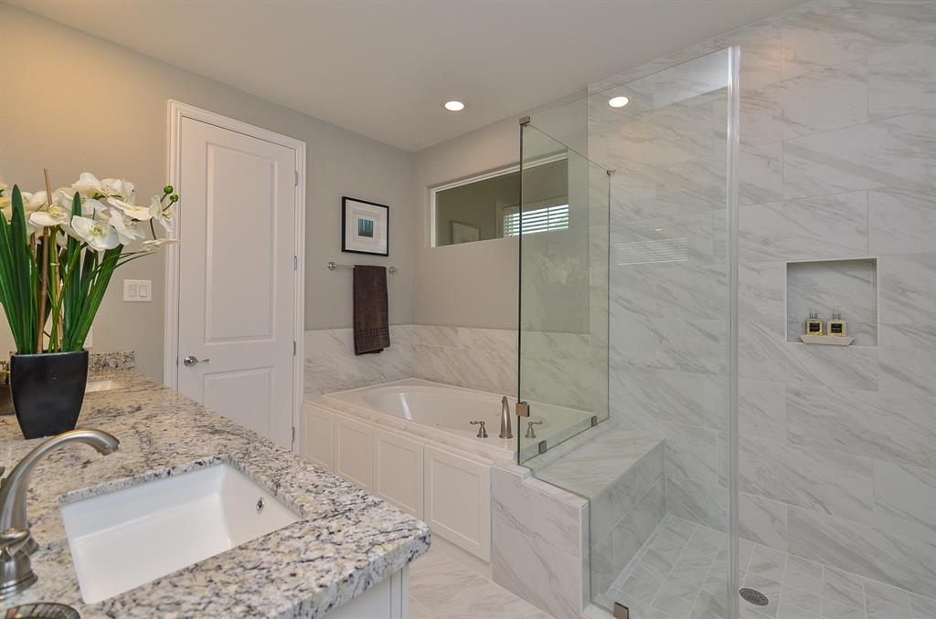 Master Bath - Landings On Nineteenth