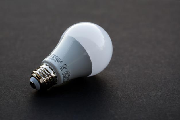 light-bulb-3591126_1280