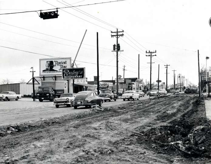 2700 block of Bissonnet, early 1960.