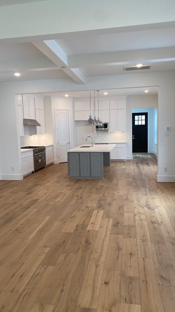 Kitchen by Drake Homes Inc.